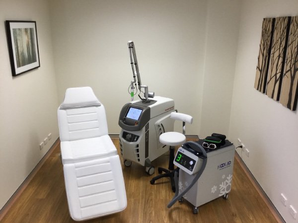 tattoo removal sydney extinkt treatment room